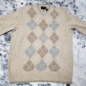 🆕️🎈NWT Black Brown Lambswool Sweater